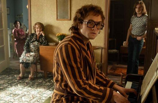 Rocketman mostra cenas do início da carreira de Elton John, confira